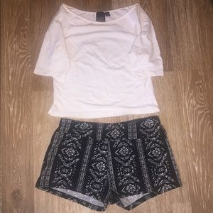 Cute Eye Candy outfit w/crop top and shorts, Med